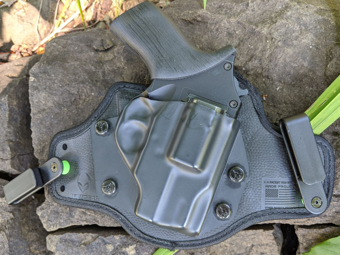 What Sets Apart Alien Gear Cloak Tuck 3 0 Iwb Holster From Its Competitors And Why You Should Buy It Cedar Mill Fine Firearms