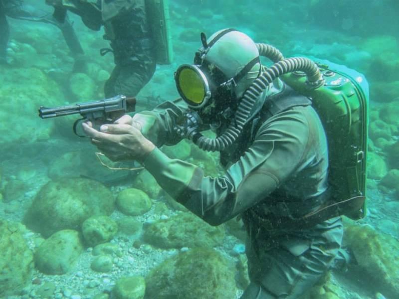Underwater Pistols